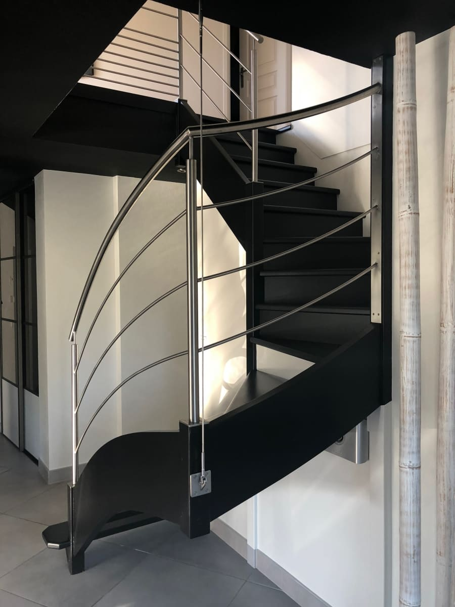 Peinture Escalier Noir Mat gardes corps | sd metal